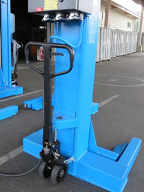 バス・トラック・大型車用移動式整備リフト ジャッキ部分
